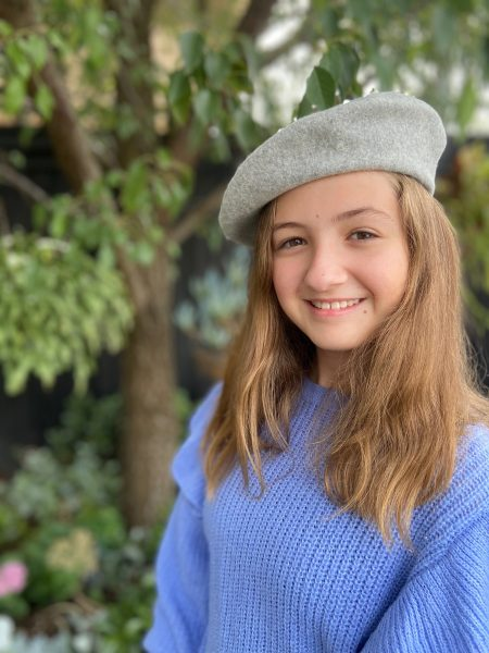 girl wearing grey ivy wool beret