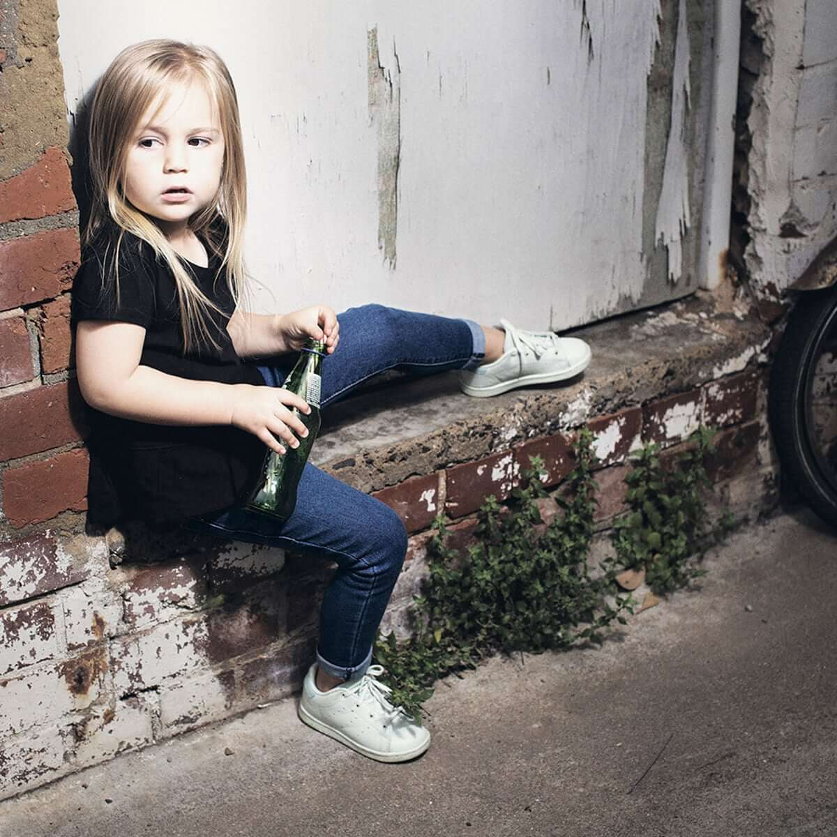 Days of Denim - Kids Skinny Jeans - Navy Wash - Lifestyle 1