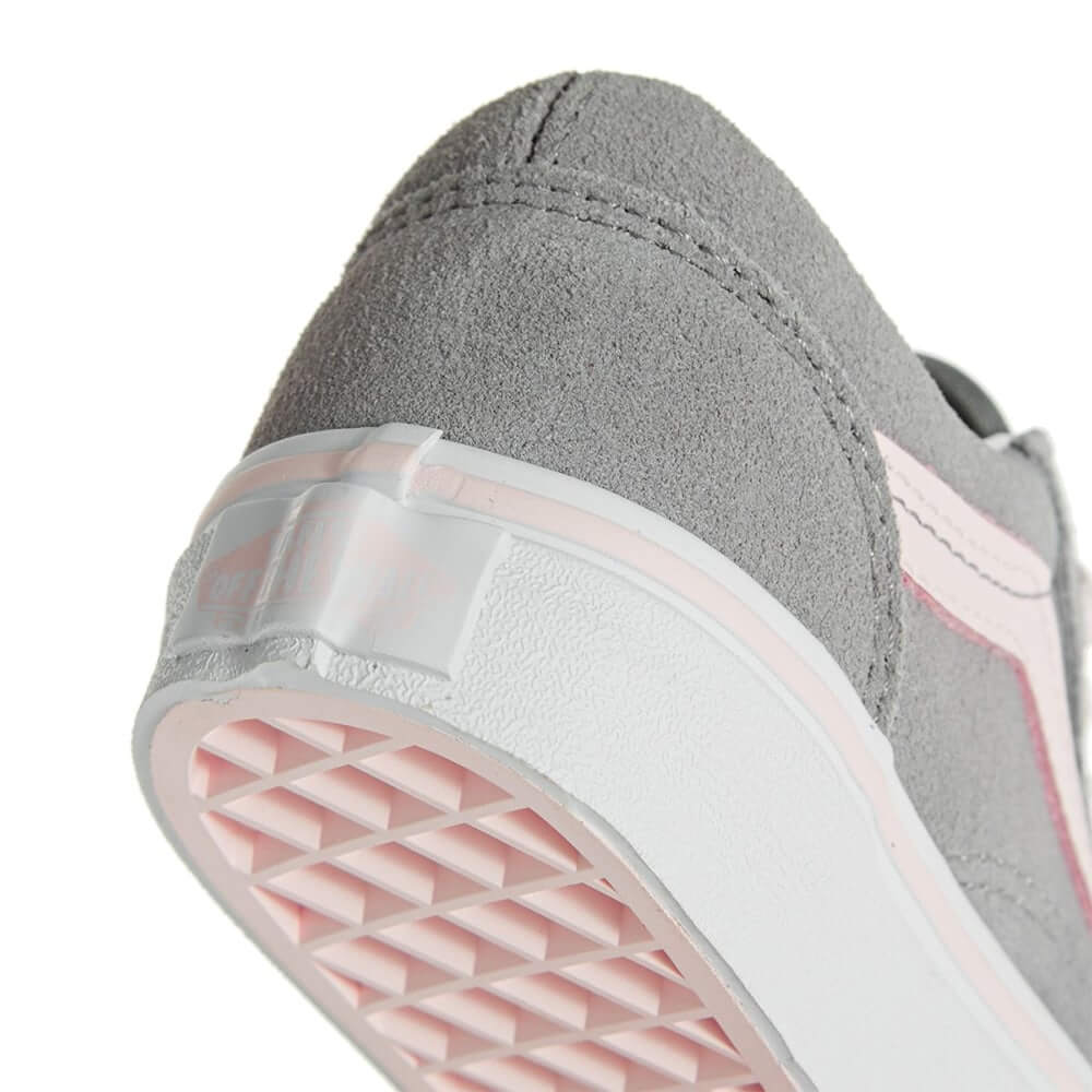 vans-kids-old-skool-alloy-heavenly-pink-suede-close-up