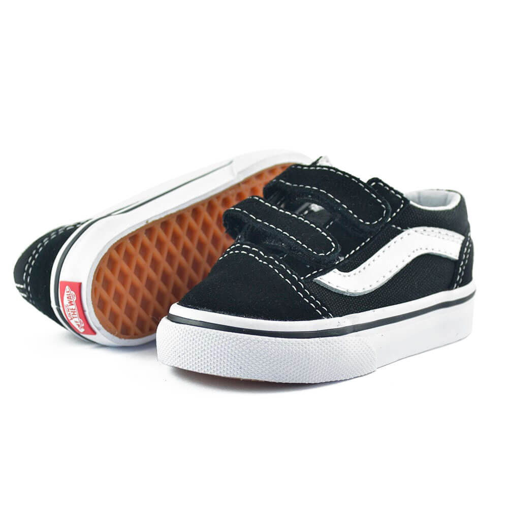 vans kids old skool v sneaker black angle pair