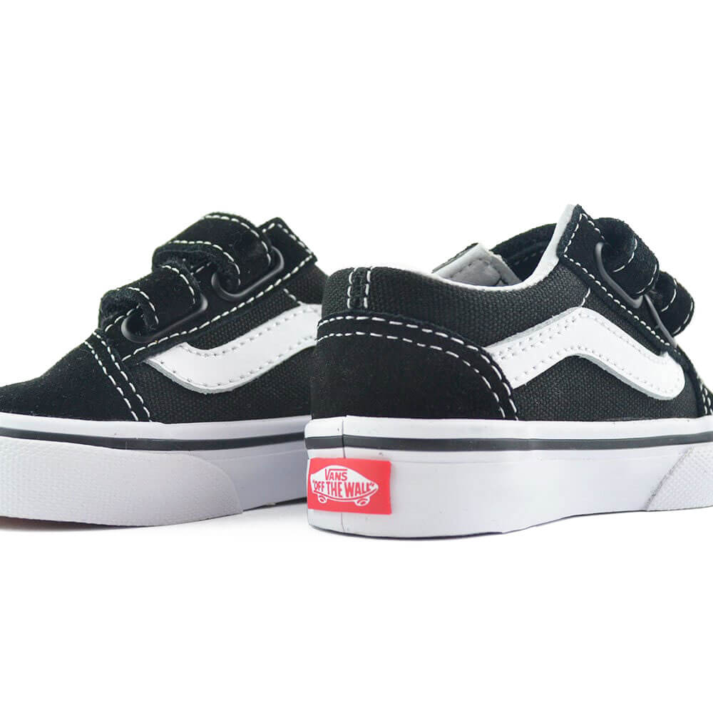 vans kids old skool v sneaker black sides pair