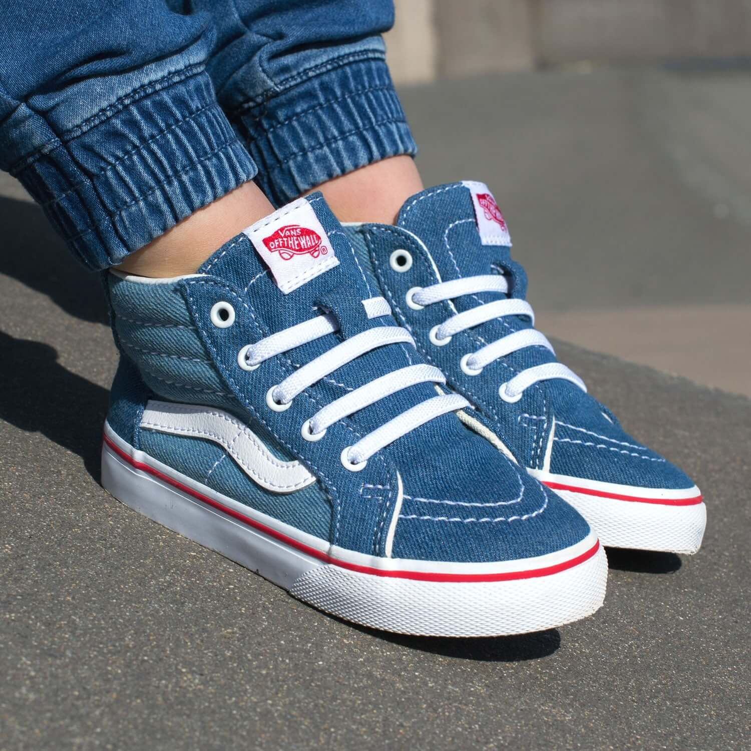 Vans Kids SK8-Hi Zip Sneaker – Denim 2 Tone side