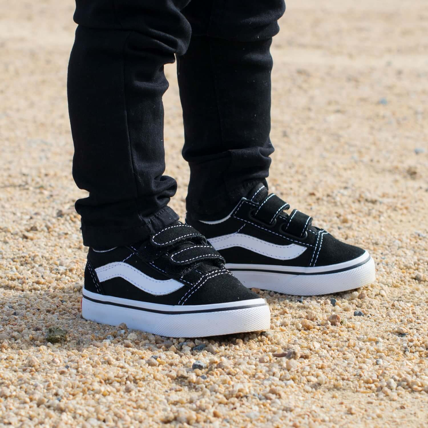 Vans Toddler Old Skool V Sneaker - Black 3