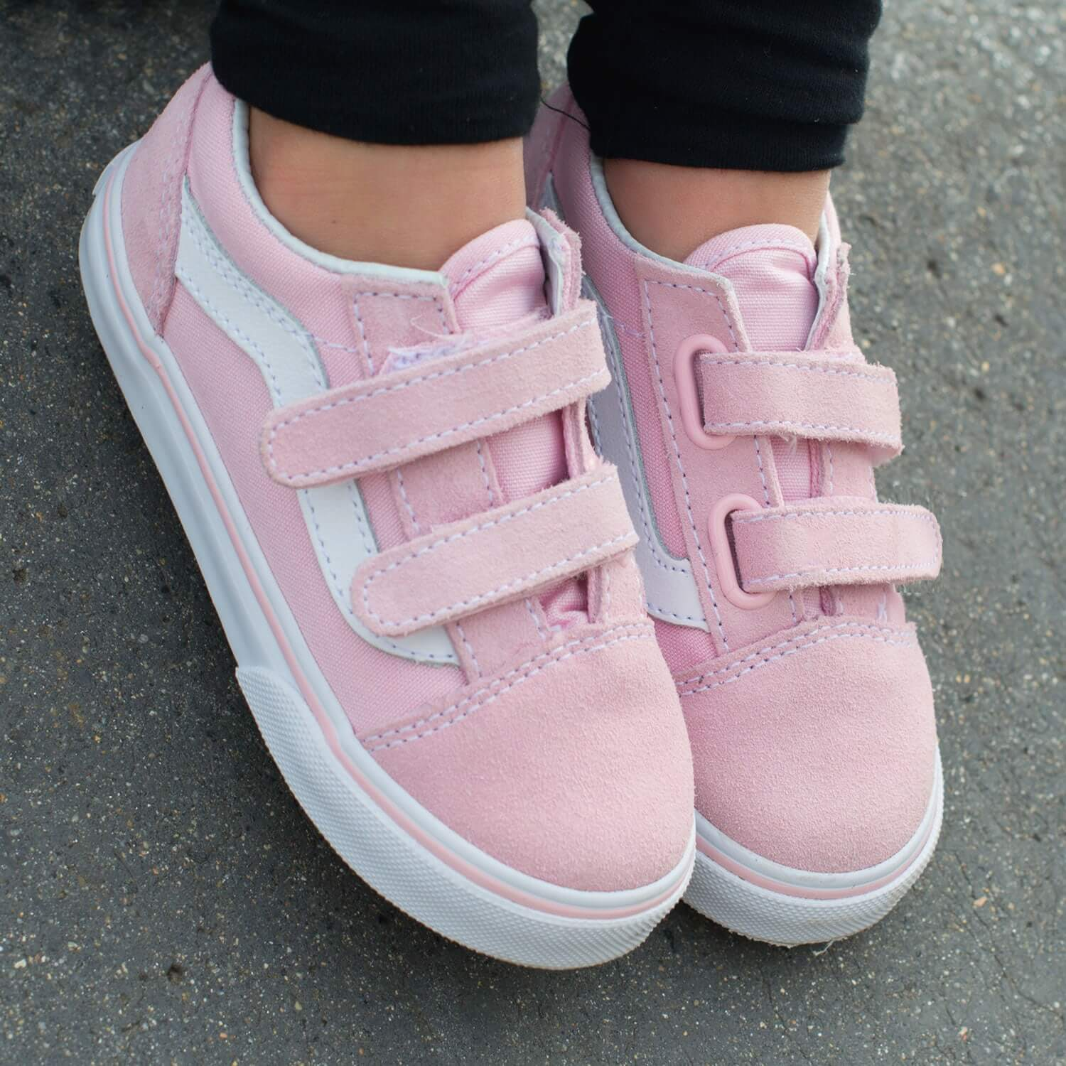 Vans Toddler Old Skool V Sneaker – Pink Side