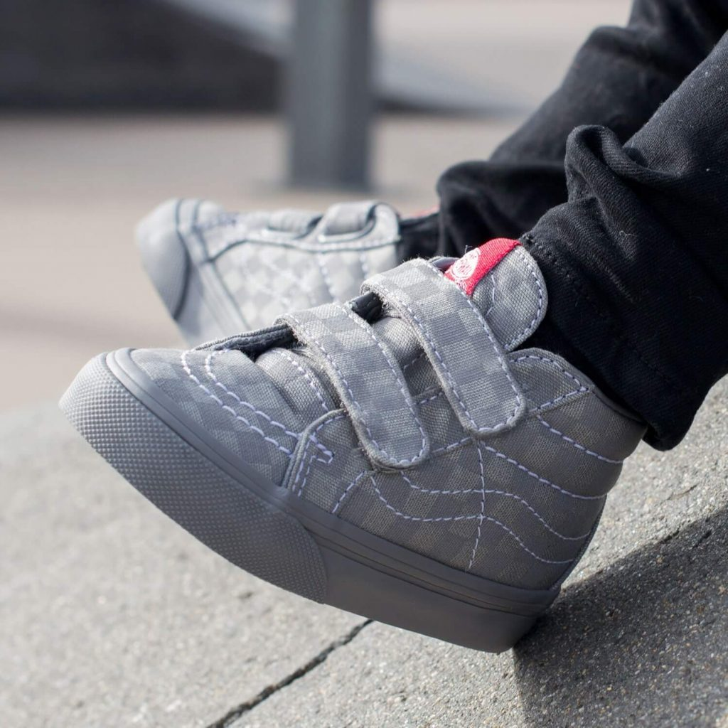 Vans Toddler SK8 Mid Rise Sneaker - Grey Checkerboard Close-up