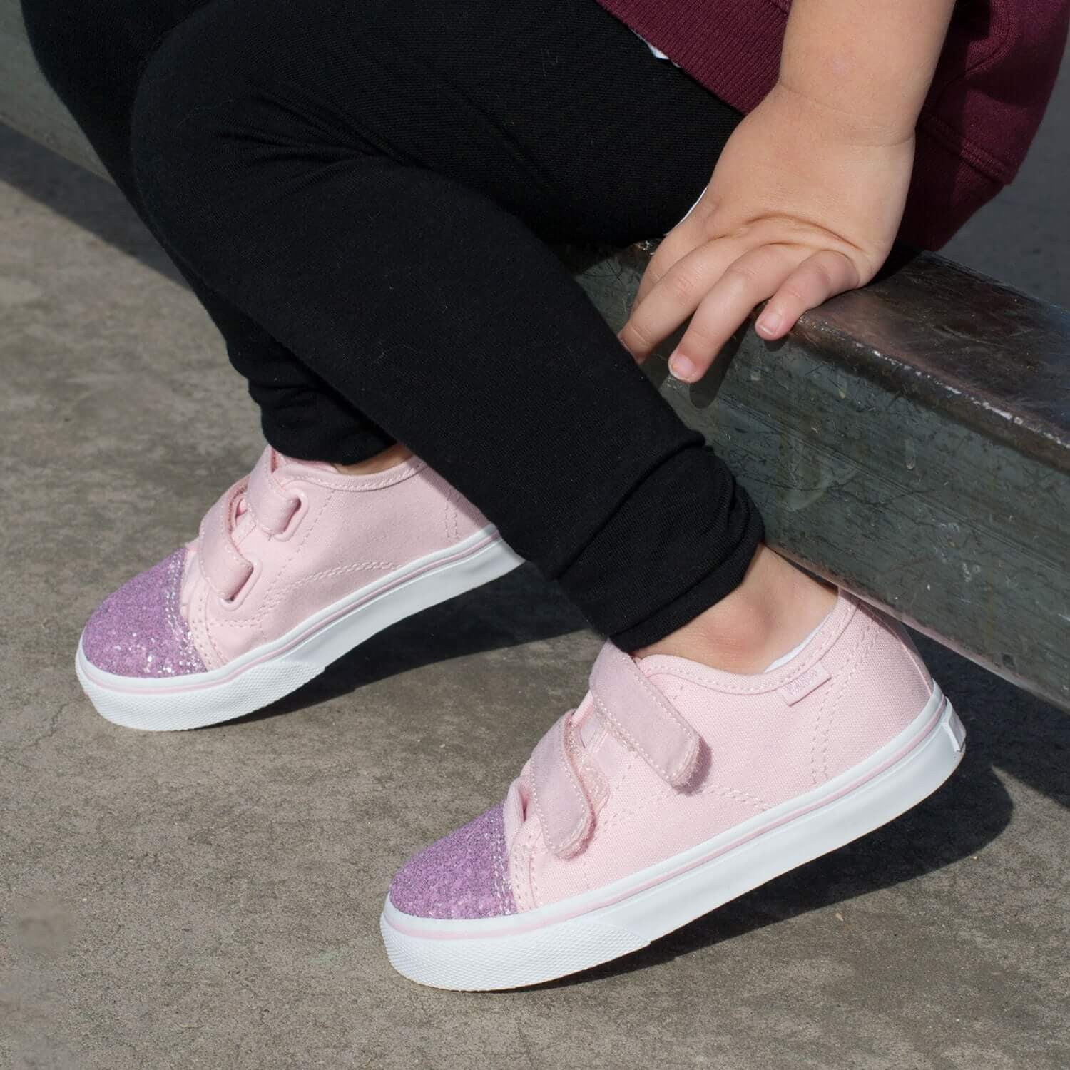 Vans Toddler Style 23 Sneaker – Chalk Pink/Glitter Toe Lifestyle 3