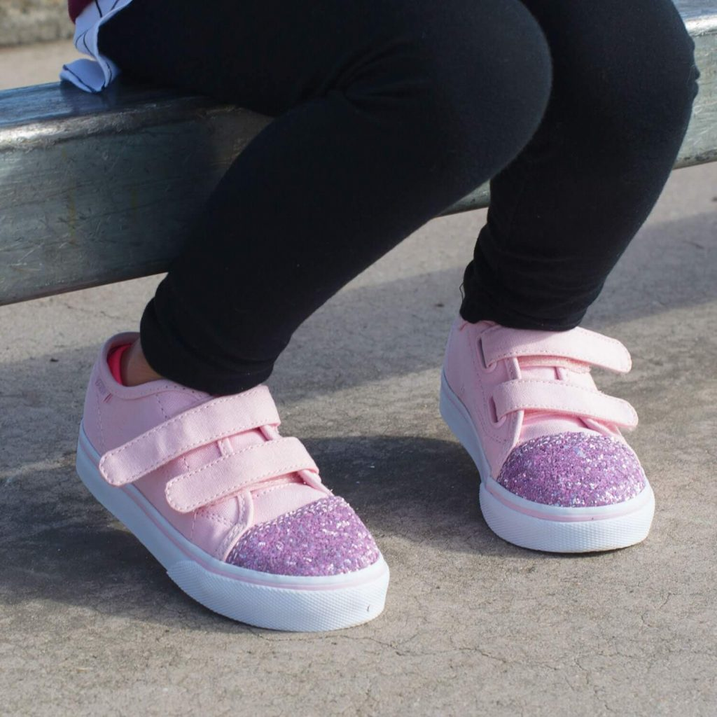 Vans Toddler Style 23 Sneaker – Chalk Pink/Glitter Toe Lifestyle 5